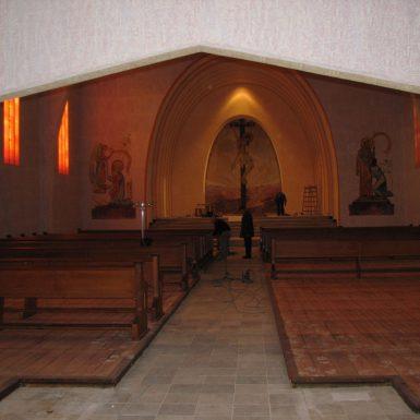 Innenraum der katholischen Kirche Mariä Himmelfahrt in Süßen